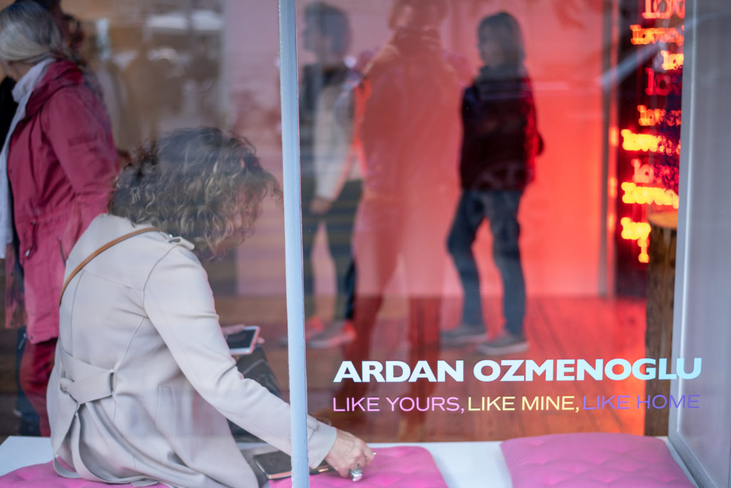 ardan-ozmenoglu-like-yours-like-mine-like-home-vernissage-galerie-des-bains